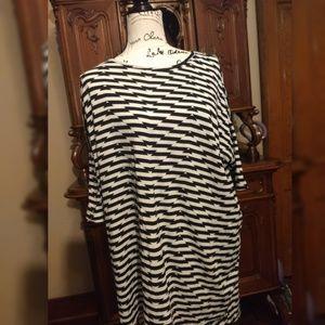 Lularoe Irma  Shirt XL stripes Black and White